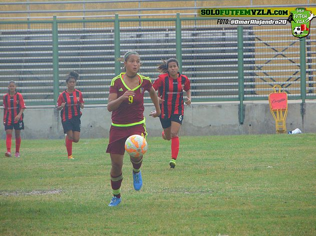 Selección venezolana primera en llegar a Lara a defender su título.