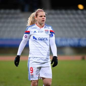 Eugenie Le Sommer renovó contrato con Lyon hasta 2019