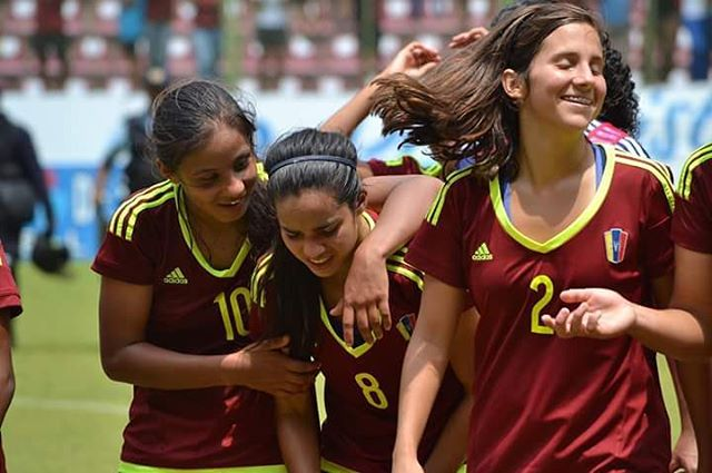 Venezuela se ratifica como primera del grupo A y aspira a retener el título.