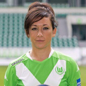 Nadine Kessler se retira del fútbol tras no superar una larga lesión