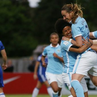 Manchester City mantiene puntaje perfecto en Inglaterra
