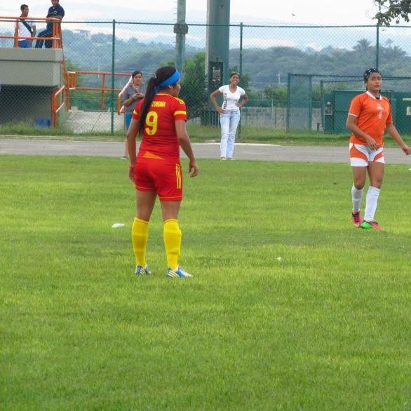 Jugando para la Universidad Autónoma del Caribe.