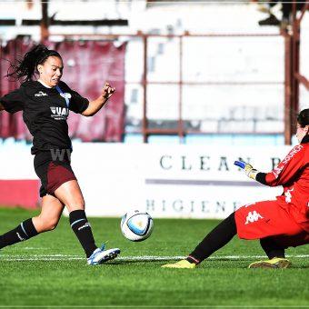 Lluvia de goleadas en Argentina, UAI Urquiza a 2 puntos de ser campeón