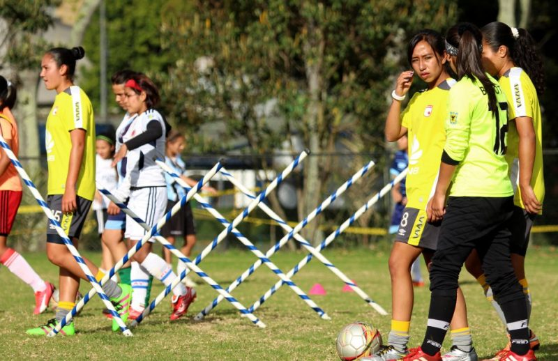 Santa Fe aspira ser el primer campéon de la liga femenina de 2017