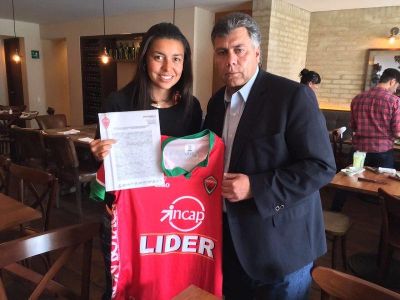 Yoreli Rincón firma contrato con Patriotas Boyacá