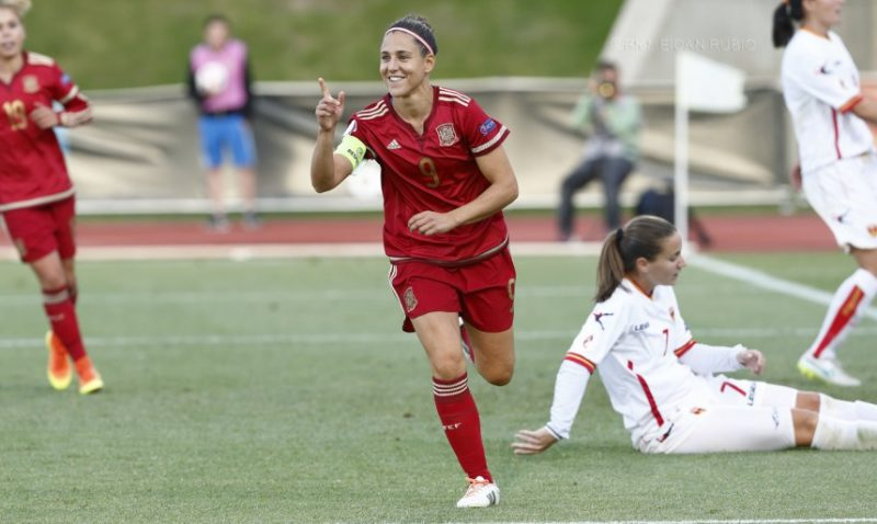 España golea a Montenegro 13-0 y aspira a ser cabeza de grupo para la Eurocopa