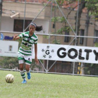 En cortas palabras el fútbol me apasiona, Ana María Fisgativa.