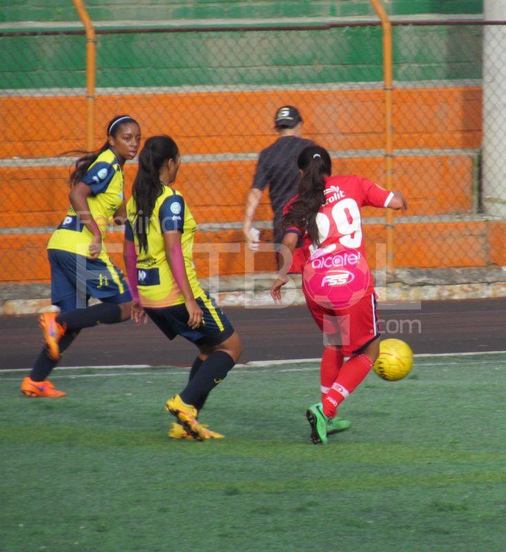 Moñona paisa triple triunfo en el torneo Nacional de Clubes