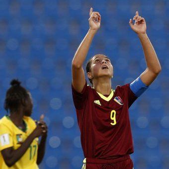 Deyna Castellanos convierte su mejor gol en el Mundial Sub-17