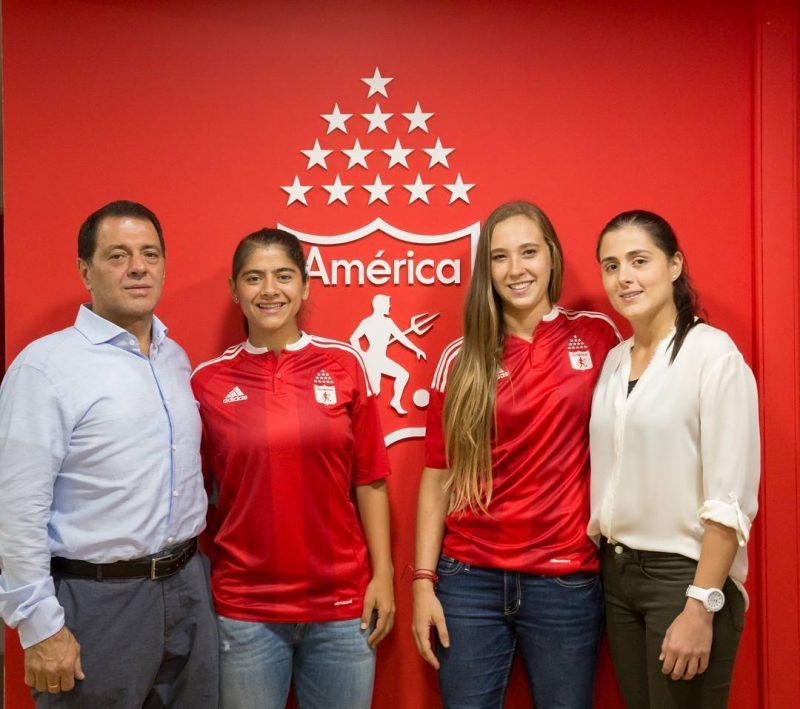 Catalina Usme en la presentación como nueva jugadora del América de Cali.