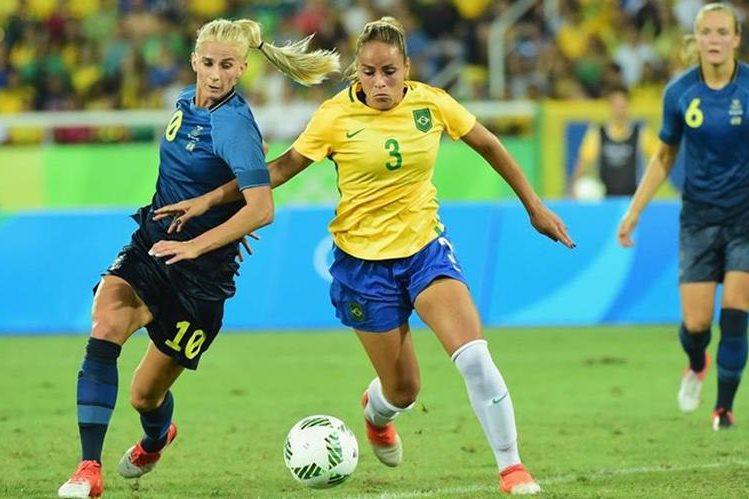 Emily Lima, entrenadora de Brasil, realiza su primera convocatoria.