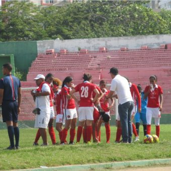Luchar por los sueños no es fácil  y más si en Barranquilla los dirigentes no creen en sus jugadoras.