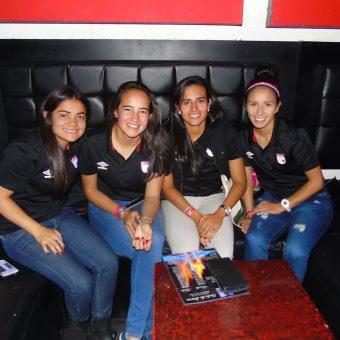 Jugadoras de Santa Fe femenino presentes en la distinción a Pablo García