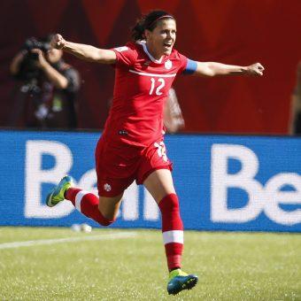 Christine Sinclair fue nombrada Futbolista del Año en Canadá