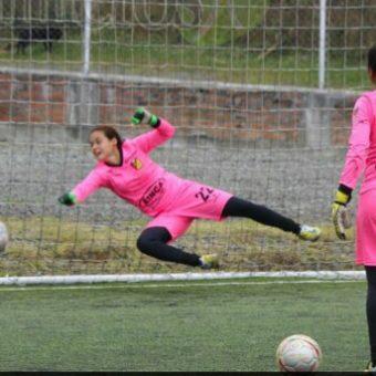 """""""No hay nada mejor que jugar por lo de uno, explotar y cuidar lo de uno"""": Laura Gutiérrez, arquera del Deportivo Pereira"""
