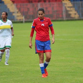 """""""Como futbolista profesional estás al 100%, pero te debes comportar al 1000%"""", Mayra Olvera"""