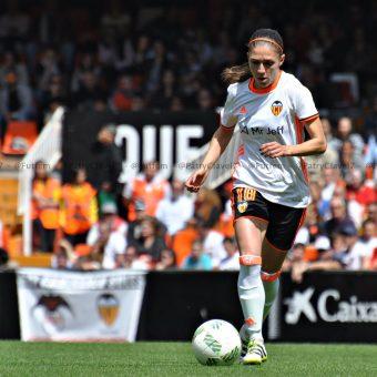 Valencia festejó con goleada su debut en Mestalla frente a Levante por 6-0
