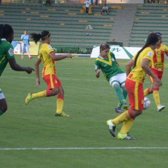 Quindío remontó un partido en su contra y venció a Pereira por 2-1