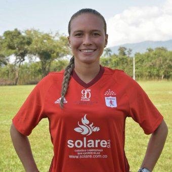 """""""Soy una jugadora muy apasionada por el fútbol y me gusta dar el 1000% de mí"""": Diana Torrente del América de Cali"""